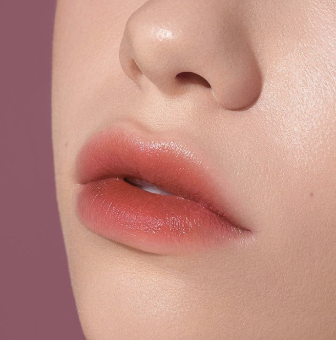 Make Up Trends / Lip Stain